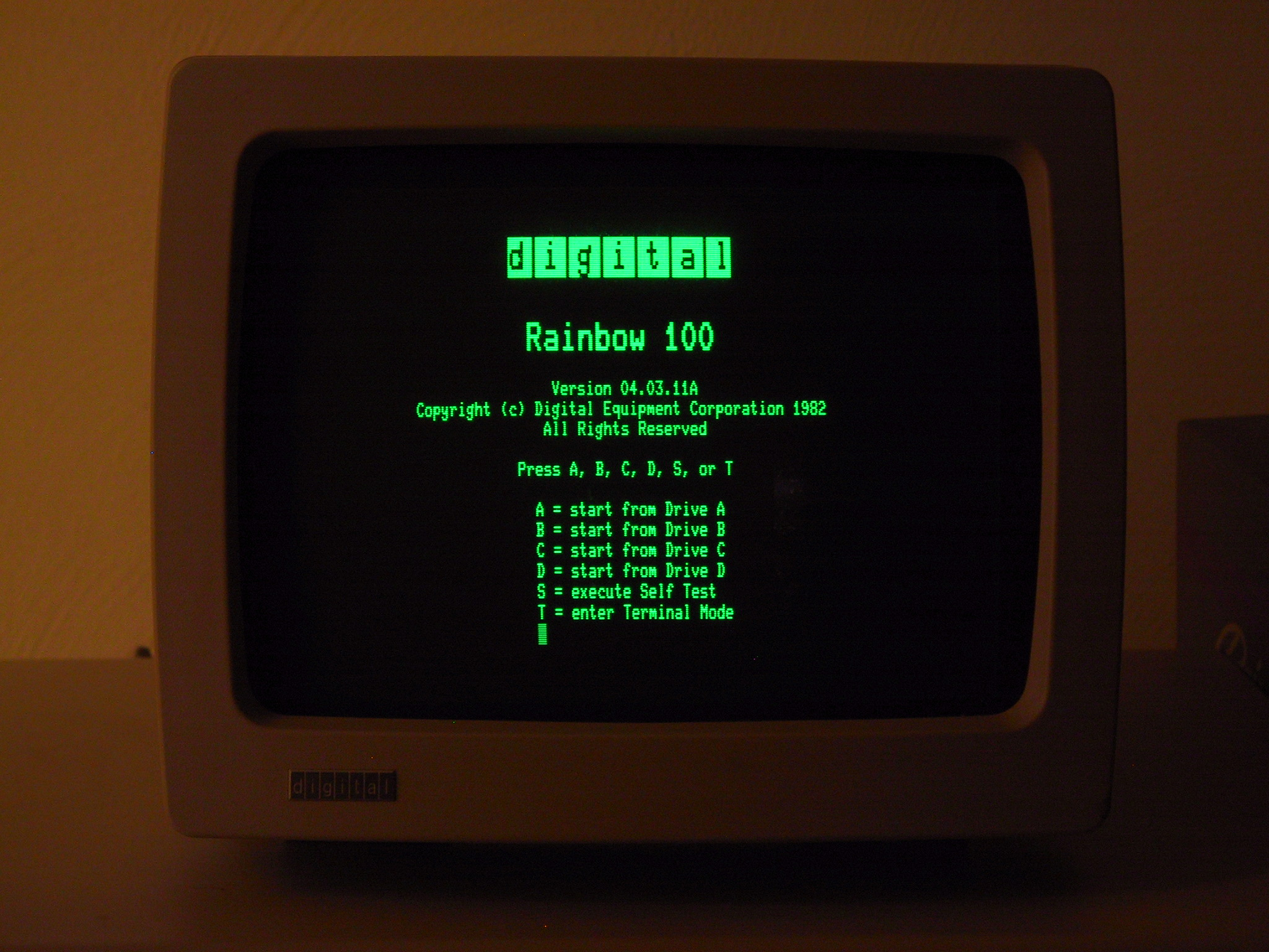 DEC Rainbow 100 Startup